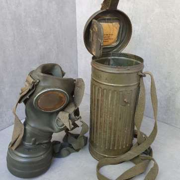 German gasmask ww2 canteen